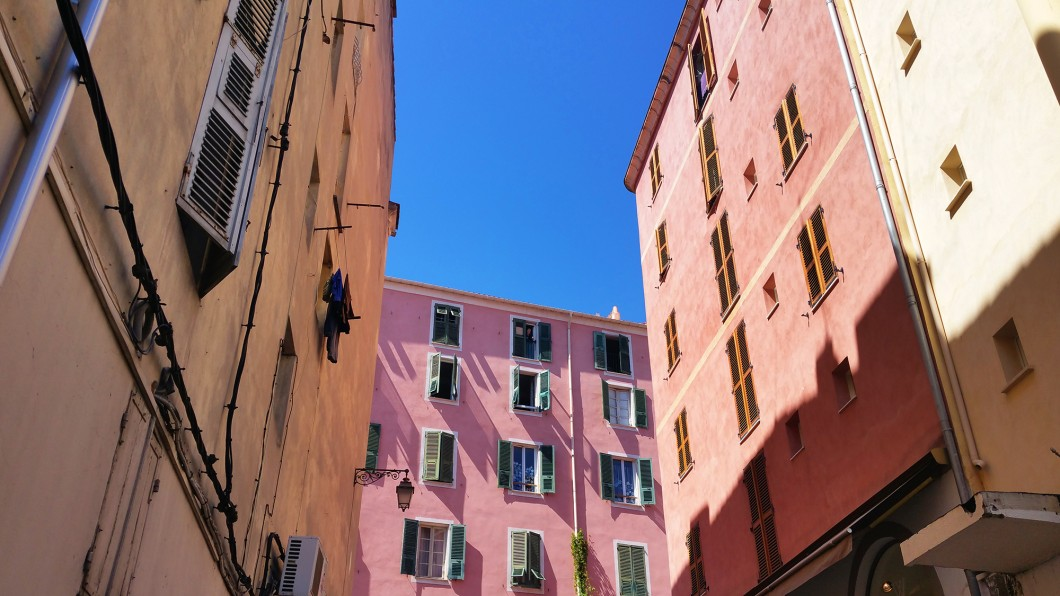 Façades colorées à Ajaccio