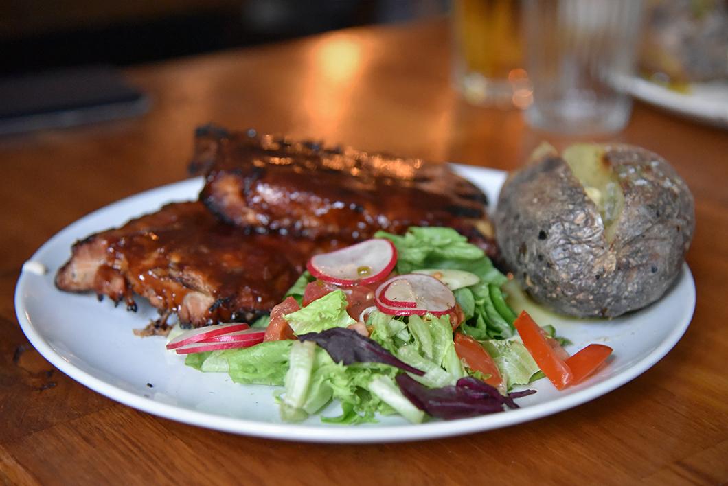 Où manger à Seyðisfjörður ? Kaffi Lára El Grillo Bar