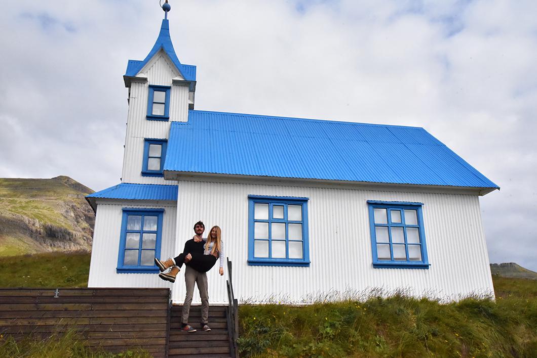 Dormir dans l'église bleue Kirkjubær - Stöðvarfjörður