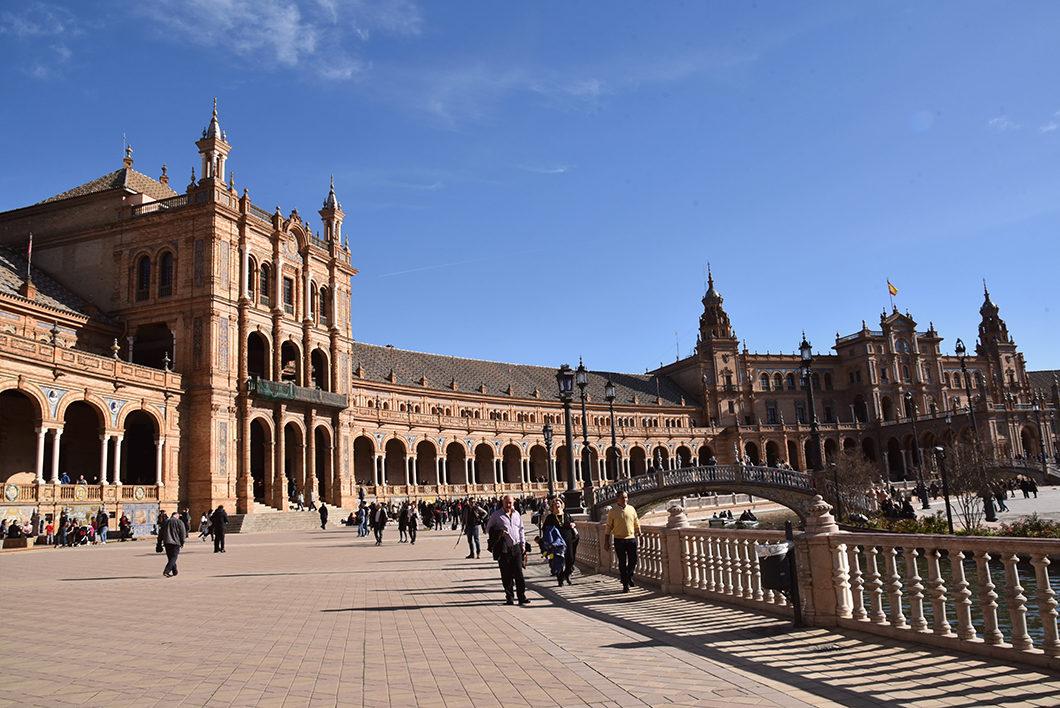 Visite de la place d'Espagne en Andalousie