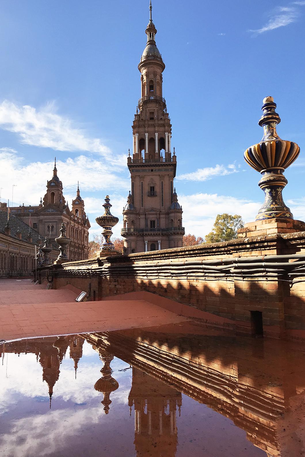 Plaza de España & Quartier Santa Cruz
