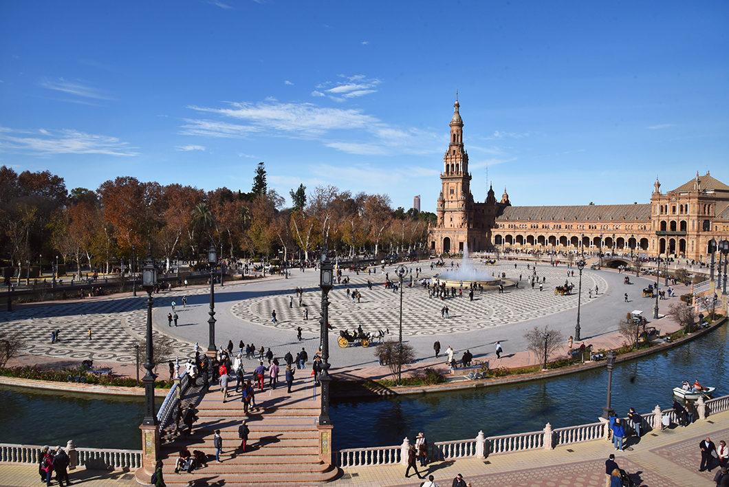 La place d'Espagne, endroits incontournables à Séville en Espagne