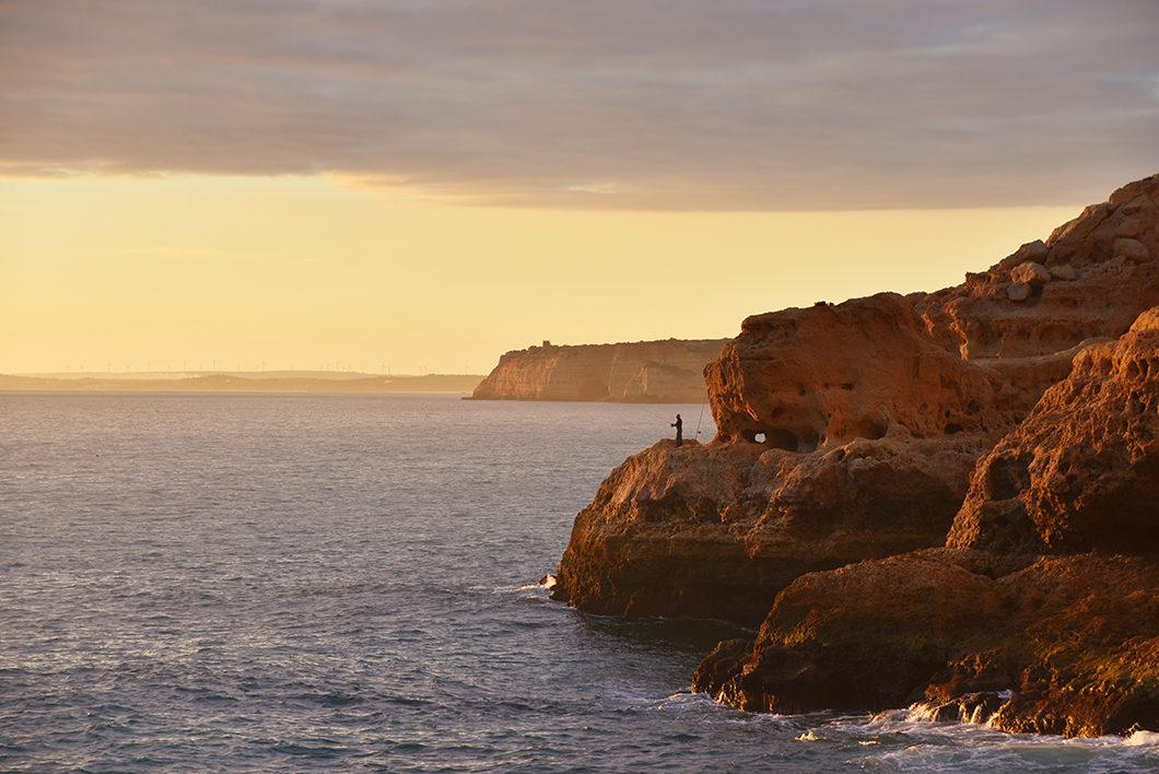 Que faire au Portugal ? Voir le coucher de soleil à Algar Seco