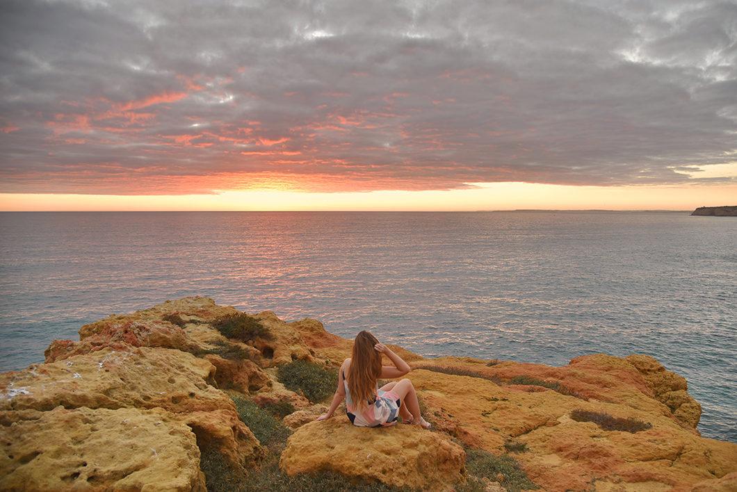 Voir le coucher de soleil à Algar Seco