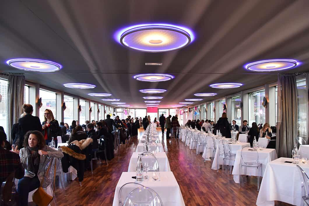 Diner sur la Seine, activité insolite à Paris
