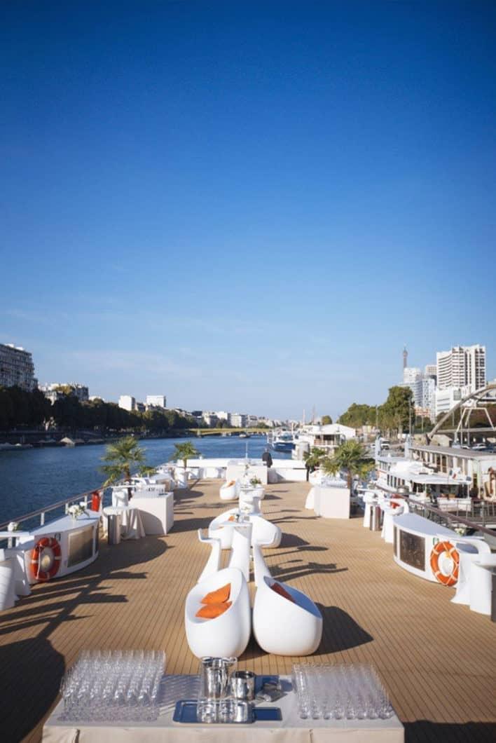Découvrir Paris en bateau