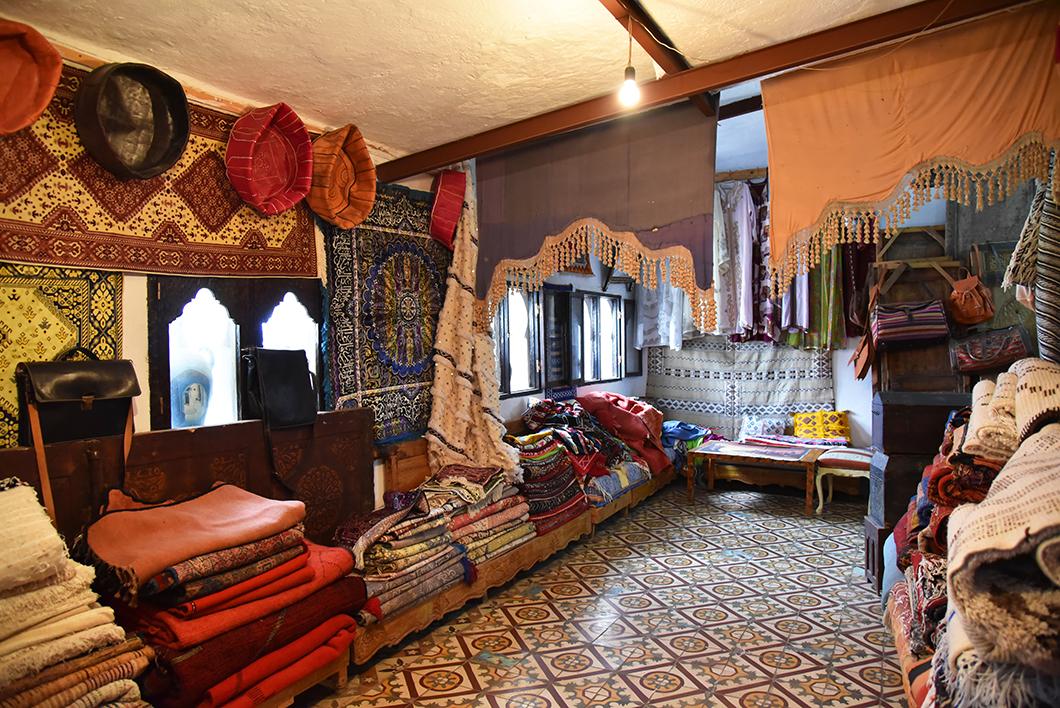 Art marocain, place Outa el Hammam de Chefchaouen
