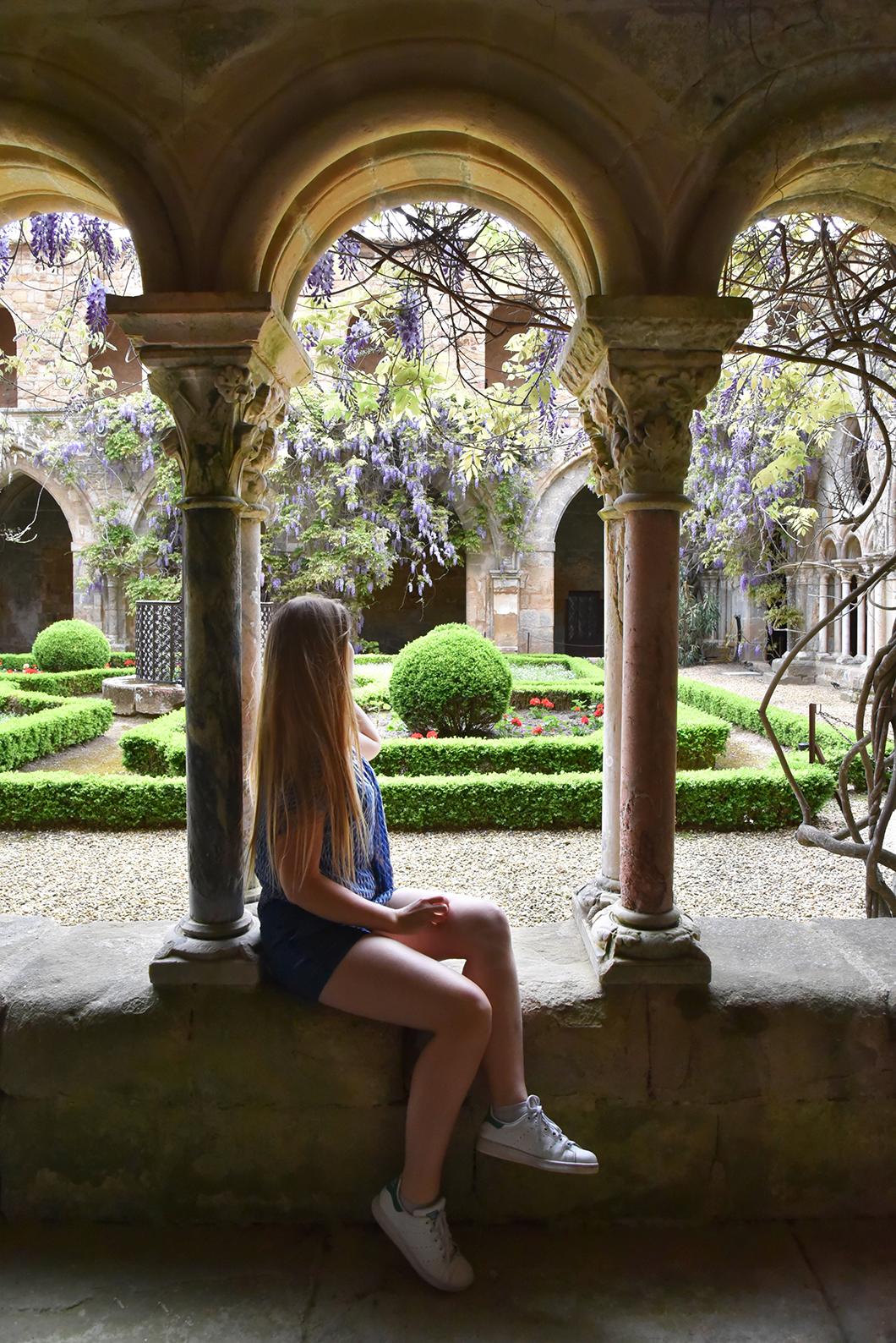Visite l'Abbaye de Fontfroide dans l'Aude