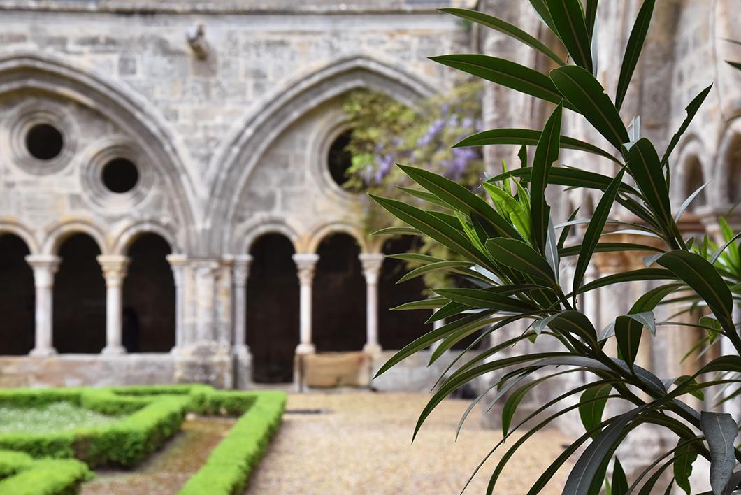 Visiter l'Abbaye de Fontfroide sur littoral de l'Aude