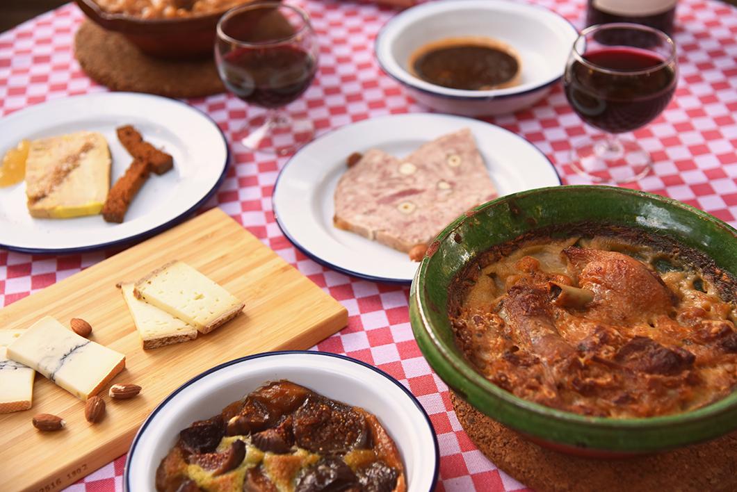 Repas traditionnel de Carcassonne - Les Cabanes dans les Bois