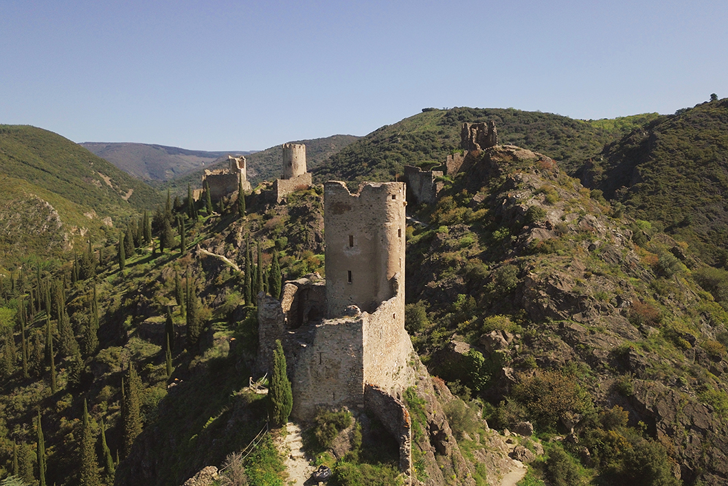 Les Quatre Châteaux de Lastours - Visite incontournable à Carcassonne