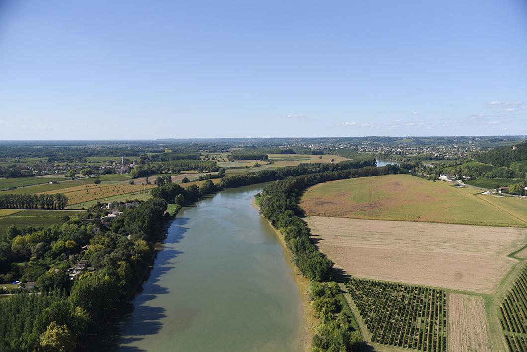 Survol des châteaux bordelais en ULM au Château Vénus - Activité insolite sur la Route des Vins de Bordeaux en Graves et Sauternes