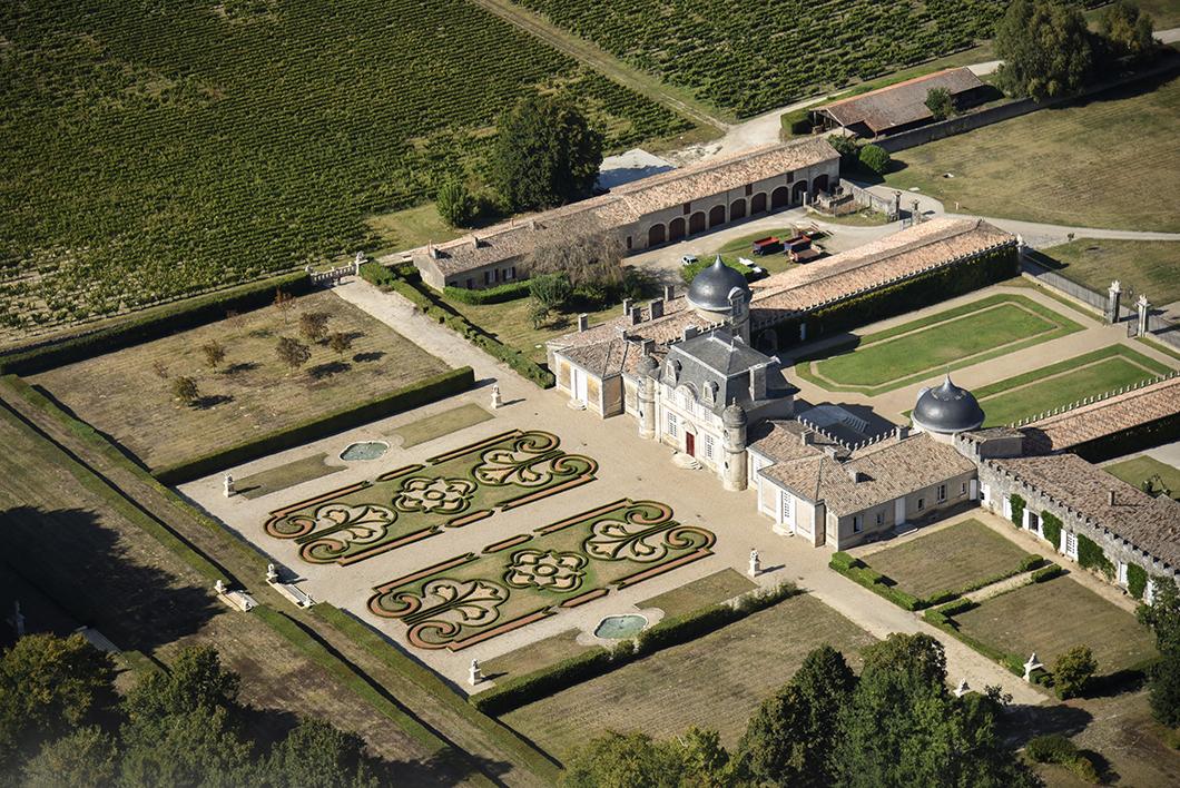 Survol du Château de Malle (2nd Grand Cru Classé de Sauternes en 1855) en ULM avec le Château Vénus - Activité insolite sur la Route des Vins de Bordeaux en Graves et Sauternes