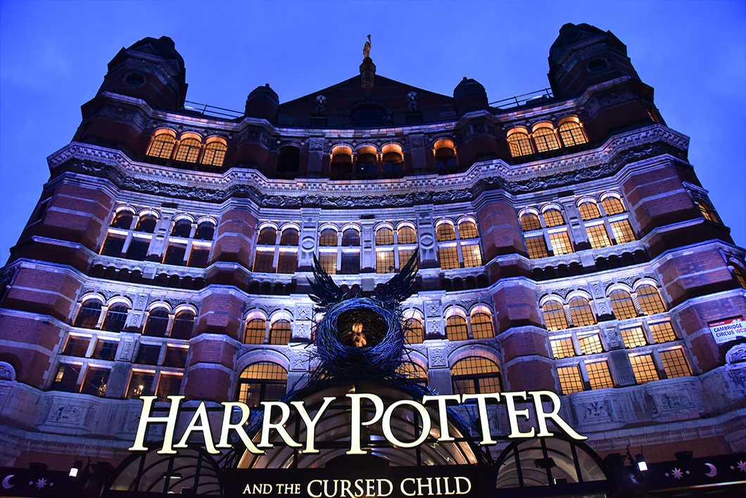 "pièce de théâtre ""Harry Potter and the Cursed Child"" au Palace Theatre"