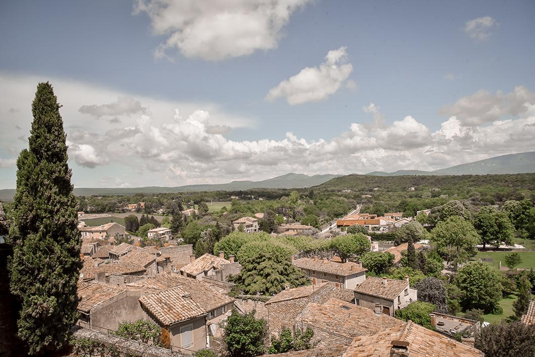 Visiter le village médiéval de Grignan