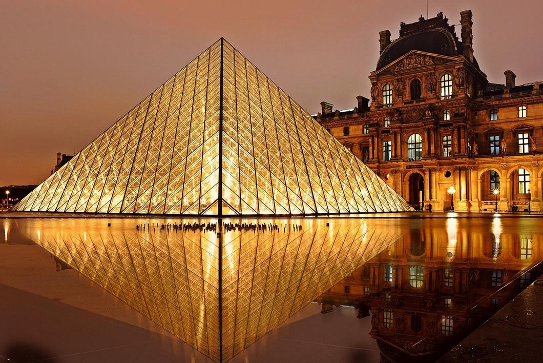 Louvre - Top 5 des monuments historiques à visiter à Paris en France - Photo Pexels
