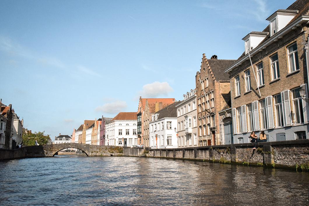 Découvrir Bruges en bateau, visite insolite