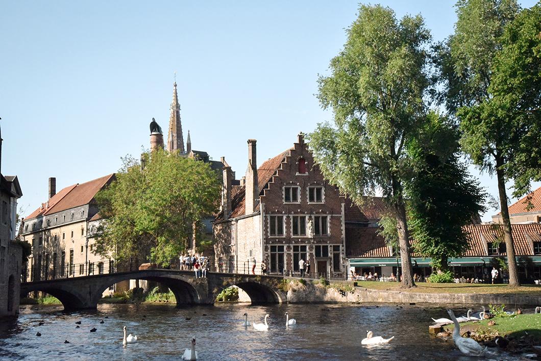 Pont médiéval à Bruges