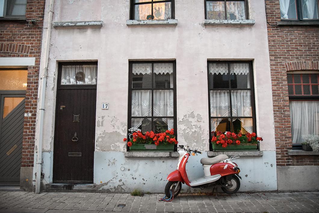 Que visiter à Bruges ? Se balader au quartier Saint-Anne
