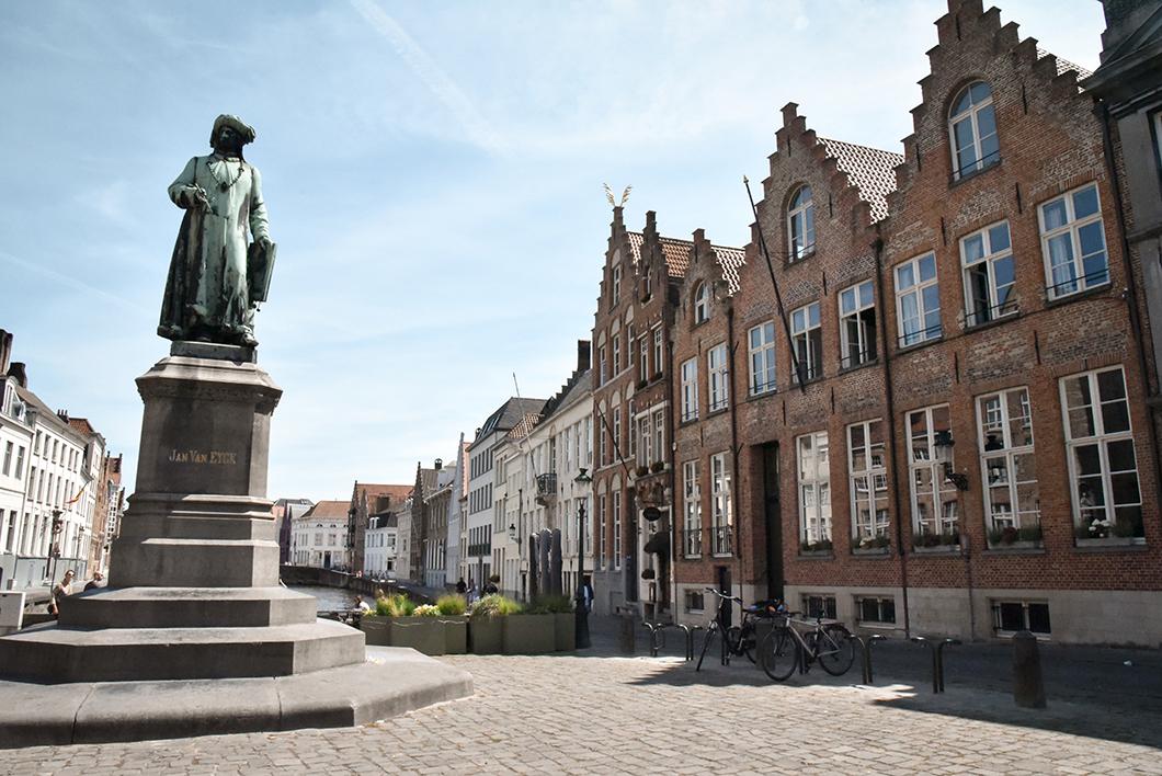 Jan Van Eyck Square, visite incontournable à Bruges