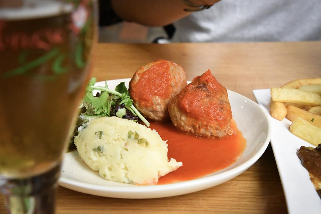Où manger à Bruges ? De Halve Maan