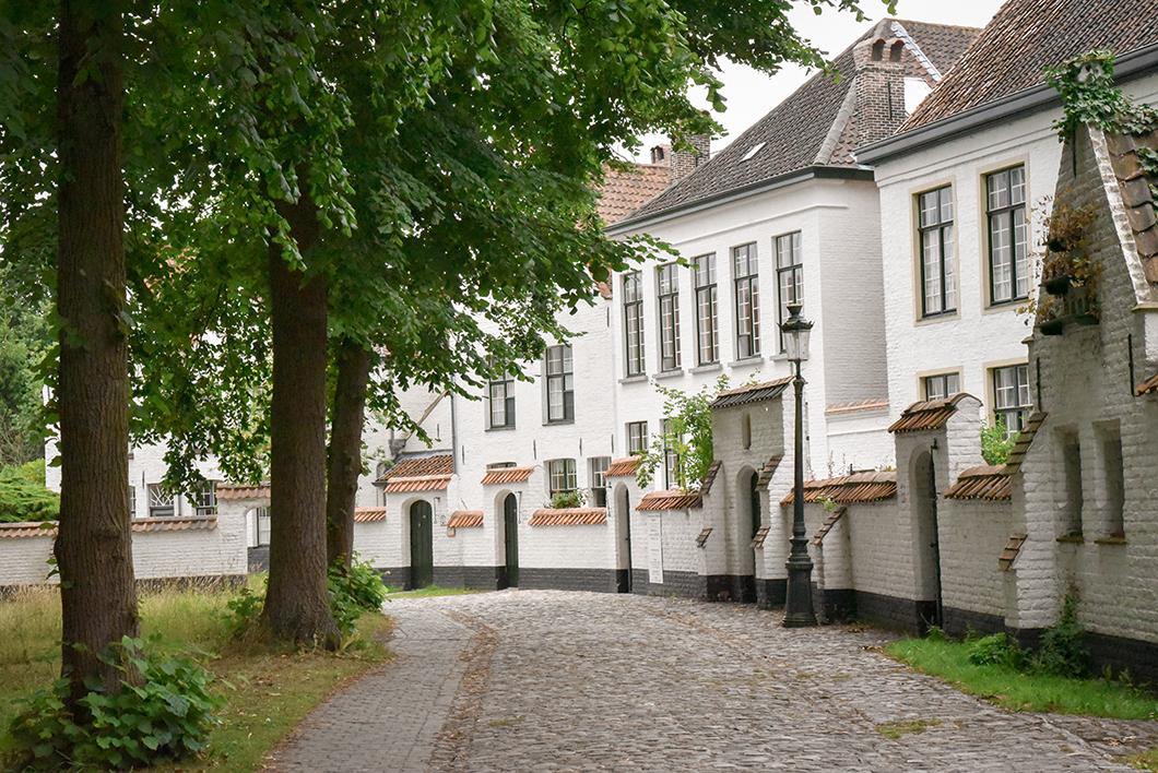 Découvrir le Beguinage, incontournable à visiter à Bruges