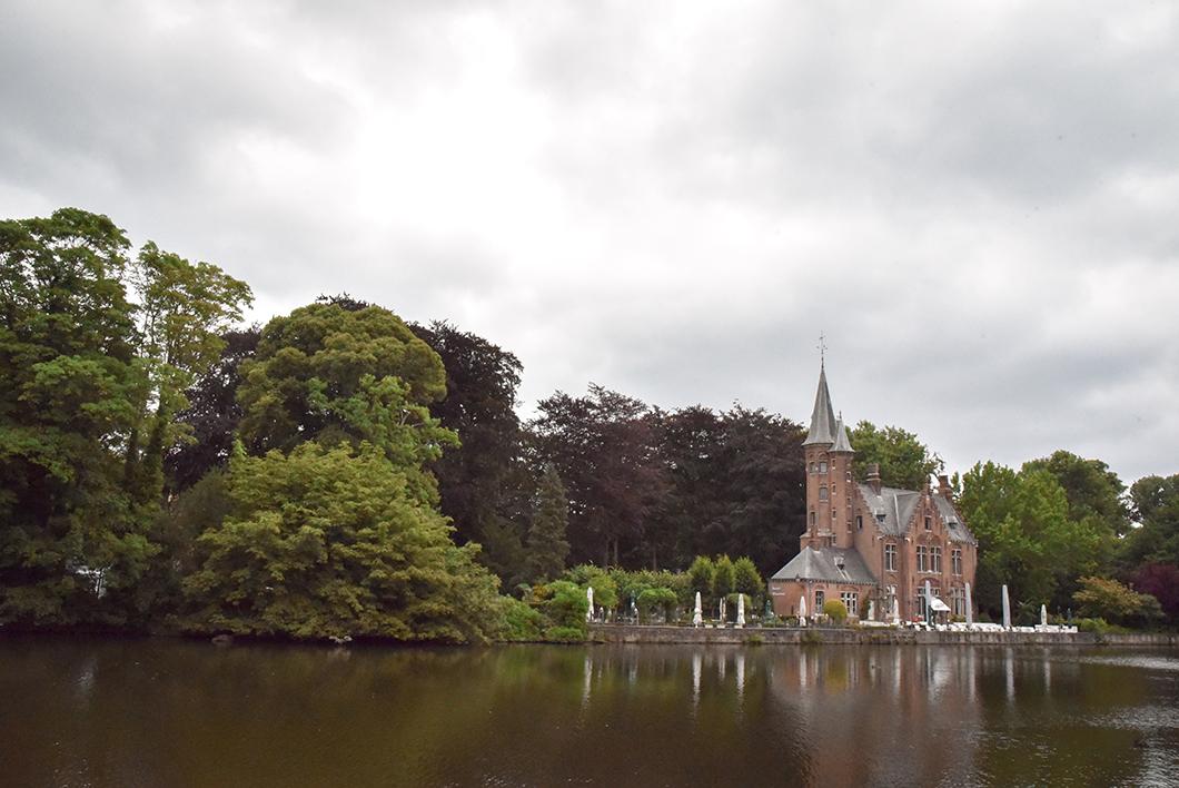 Aller au lac de l'amour à Bruges