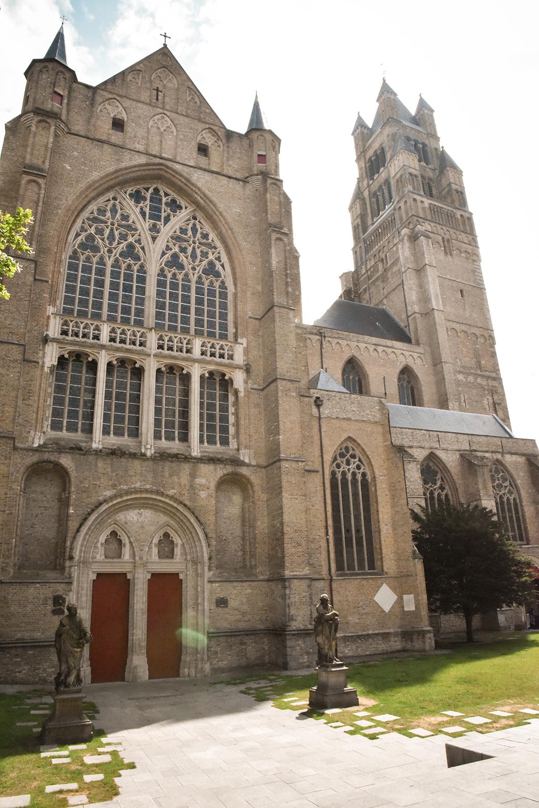 La Cathédrale Saint-Sauveur de Bruges, incontournable à Bruges