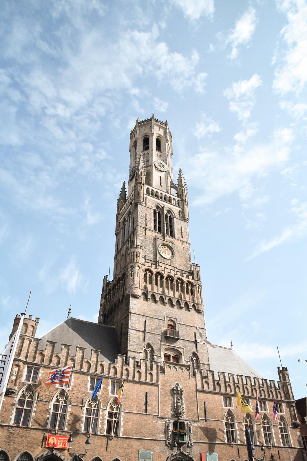 Monter en haut du Beffroi à Bruges