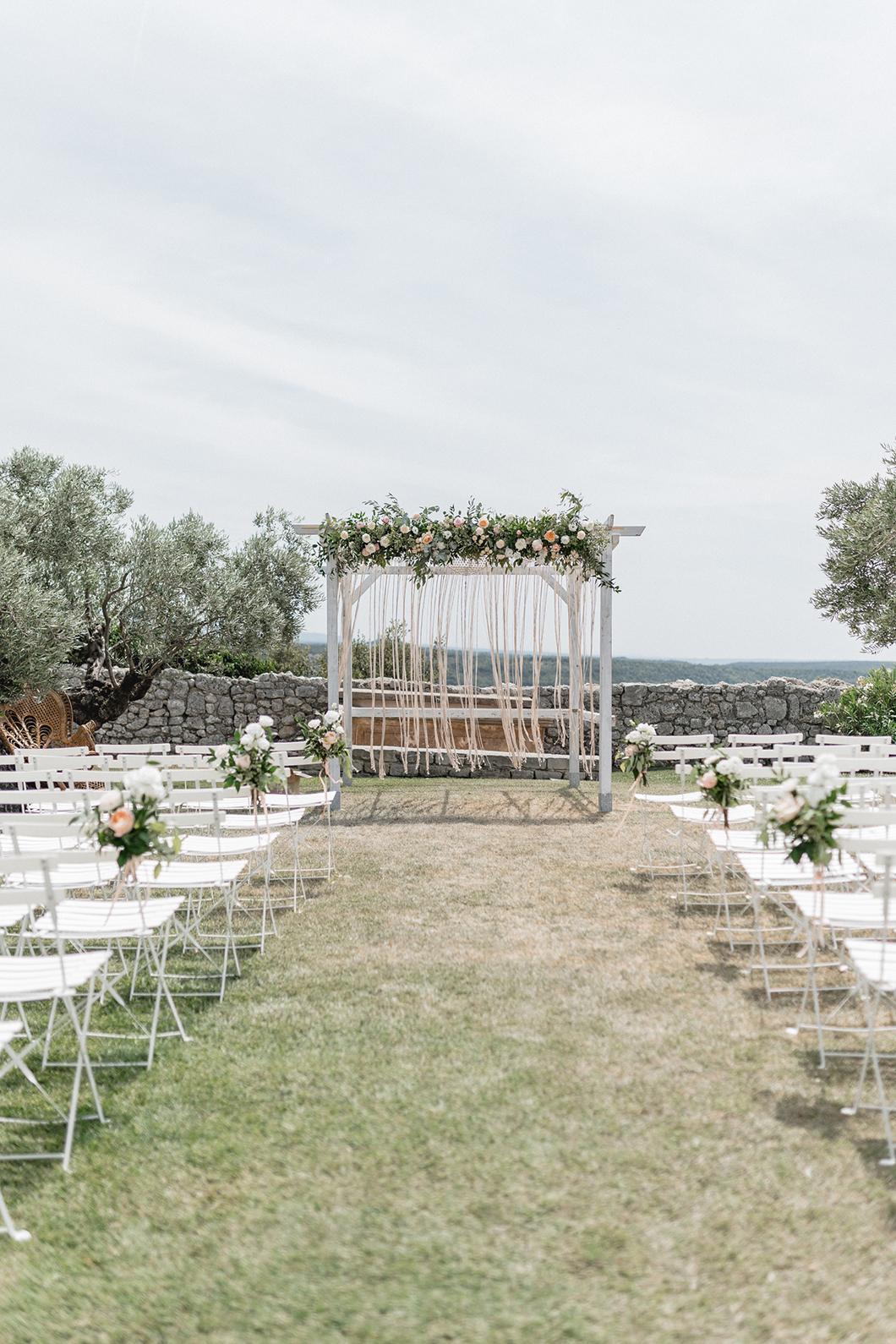 Organiser son mariage laïque au Domaine de Sarson dans la Drôme Provençale