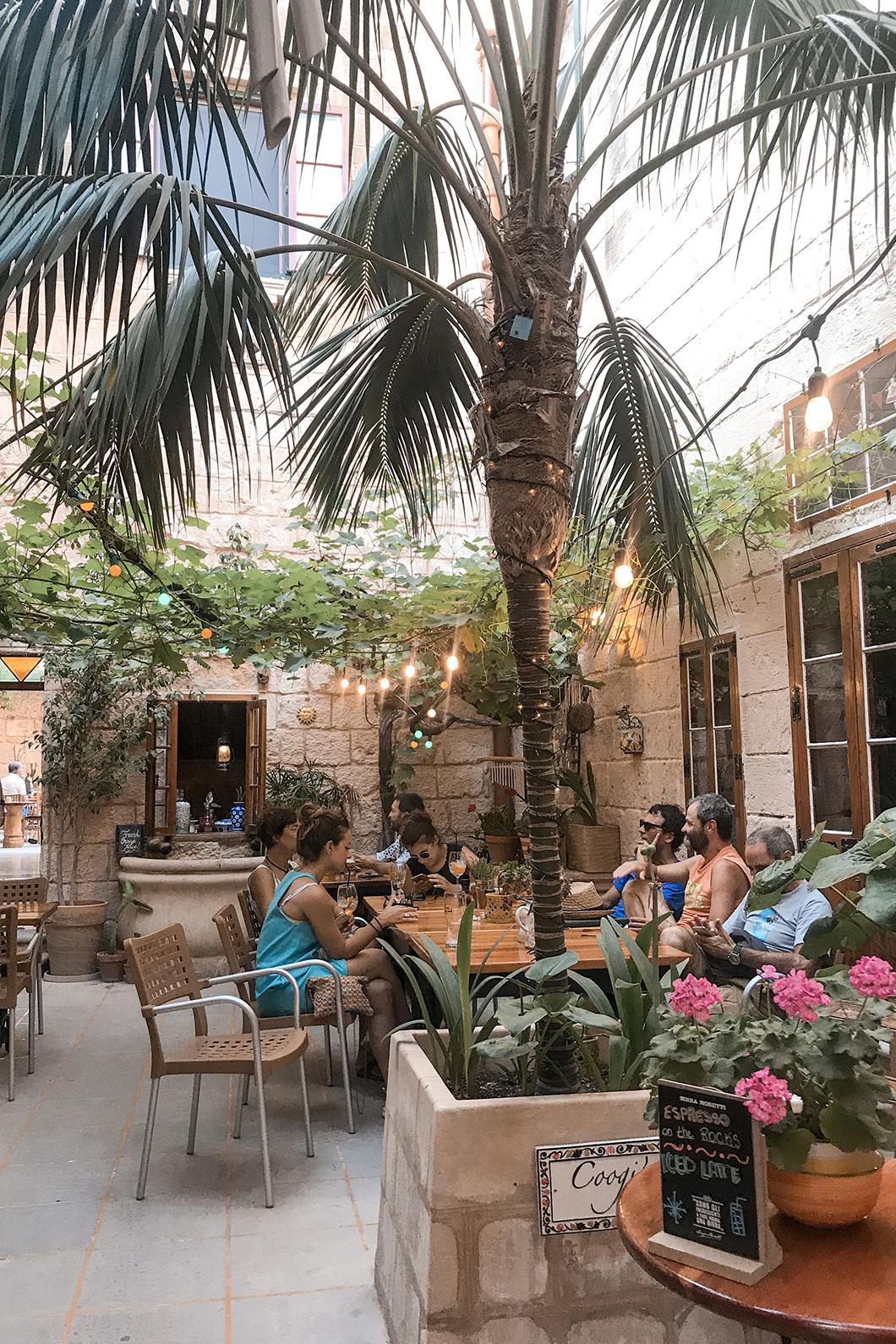 Petite terrasse à Mdina