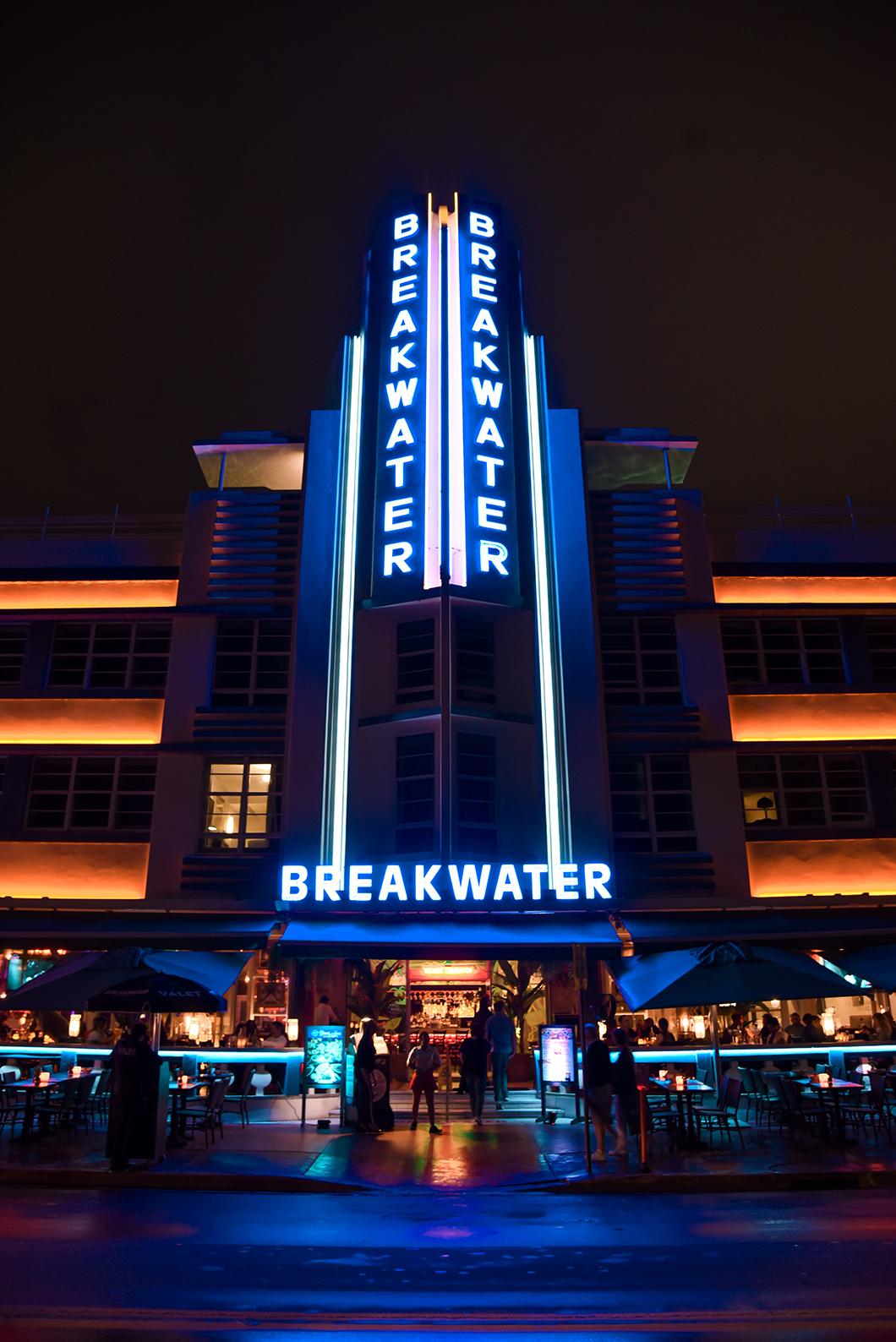 Hotel art deco de Miami de nuit