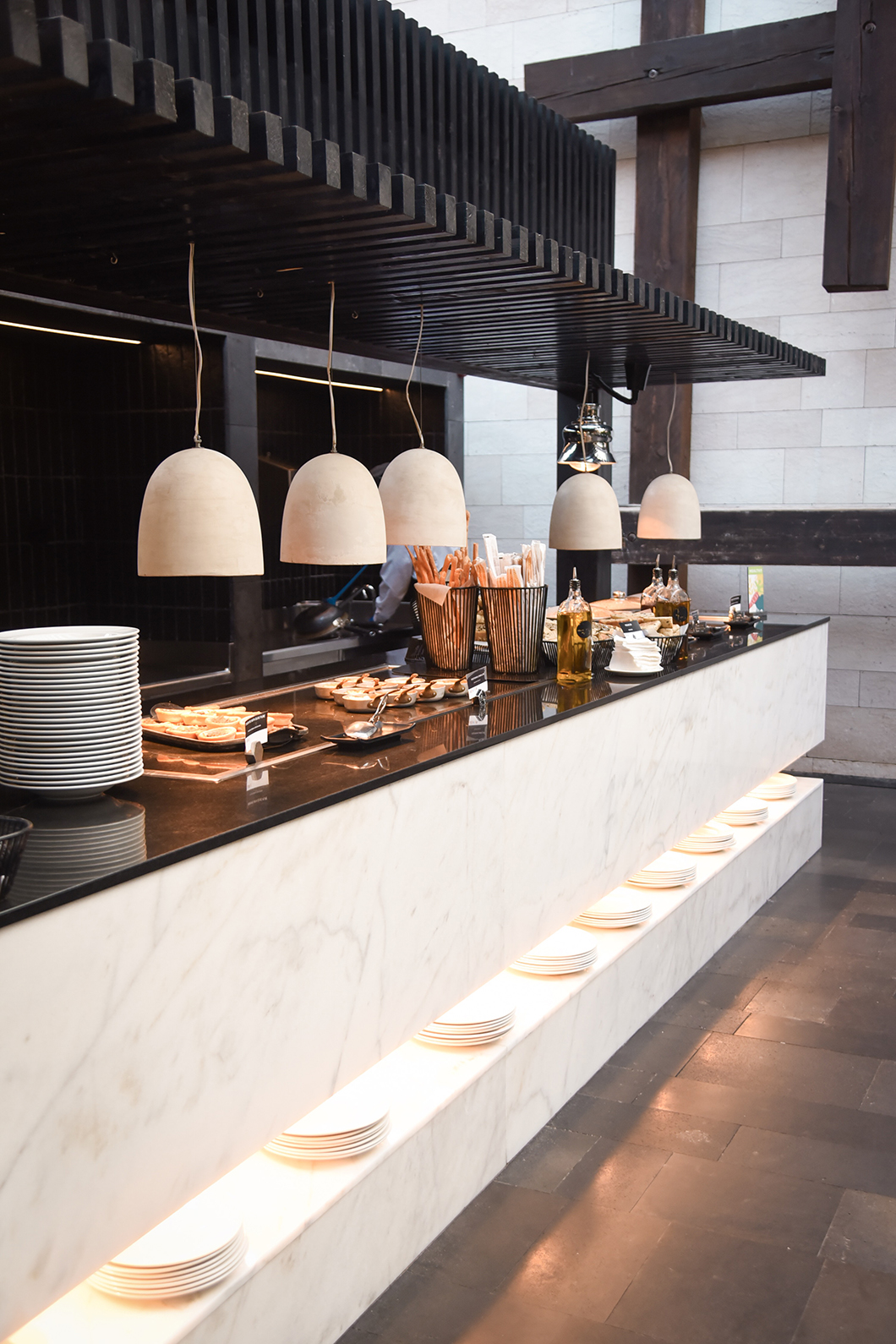 Manger au buffet du Salobre Hotel Resort & Serenity