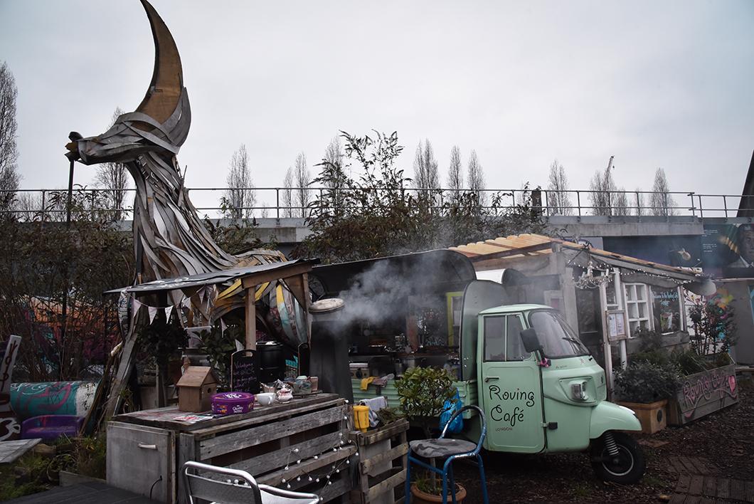 Café du Nomadic Community Garden