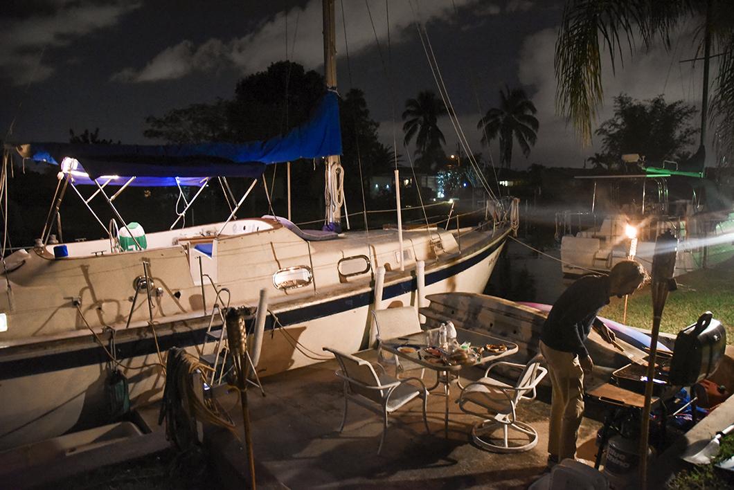 Airbnb insolite à Cape Coral - Barbecue et nuit à bord d'un bateau