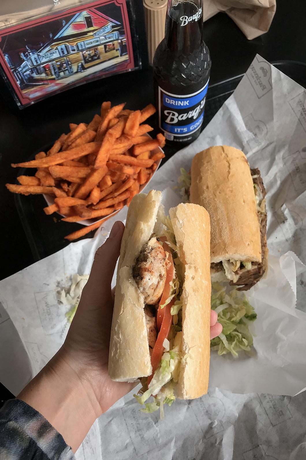 Manger un po'boy à la Nouvelle Orléans