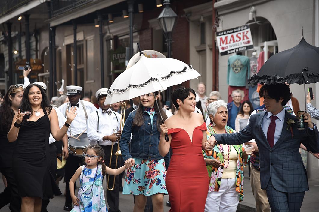 Parade dans les rues du Vieux Carré à la Nouvelle Orléans