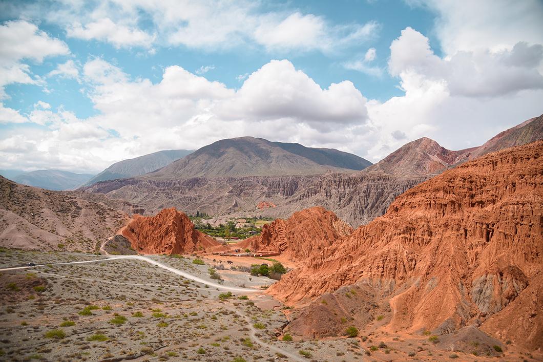 Randonnée de la colline aux 7 couleurs