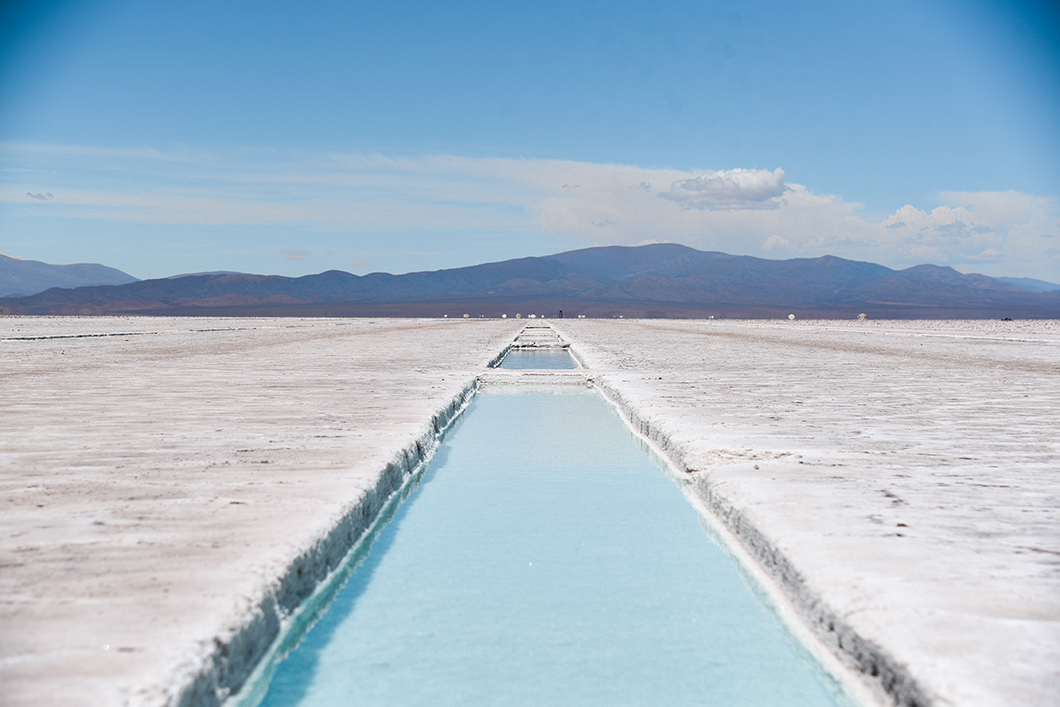 Piscine d'eau salée à Salinas Grandes