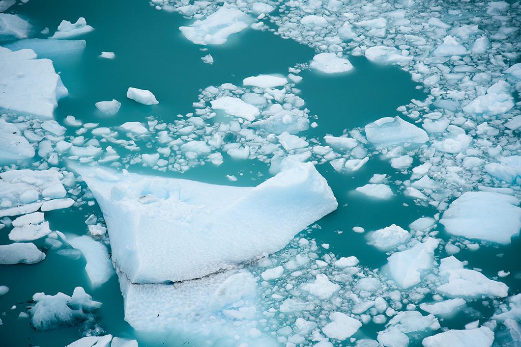 Balade en bateau au milieux des icebergs de Patagonie