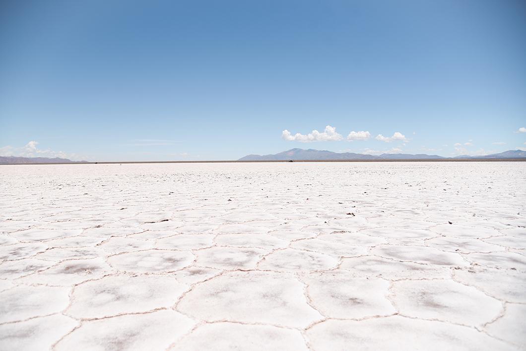 Points de vue sur le désert de sel en Argentine