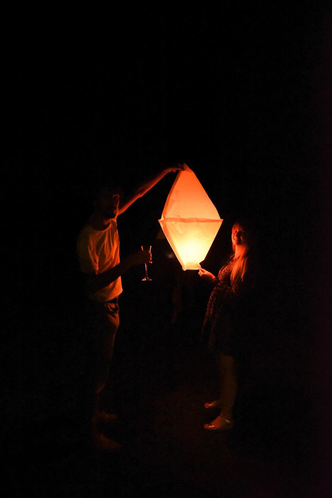 Envoler de lanterne à la Finca Valentina pour Noël