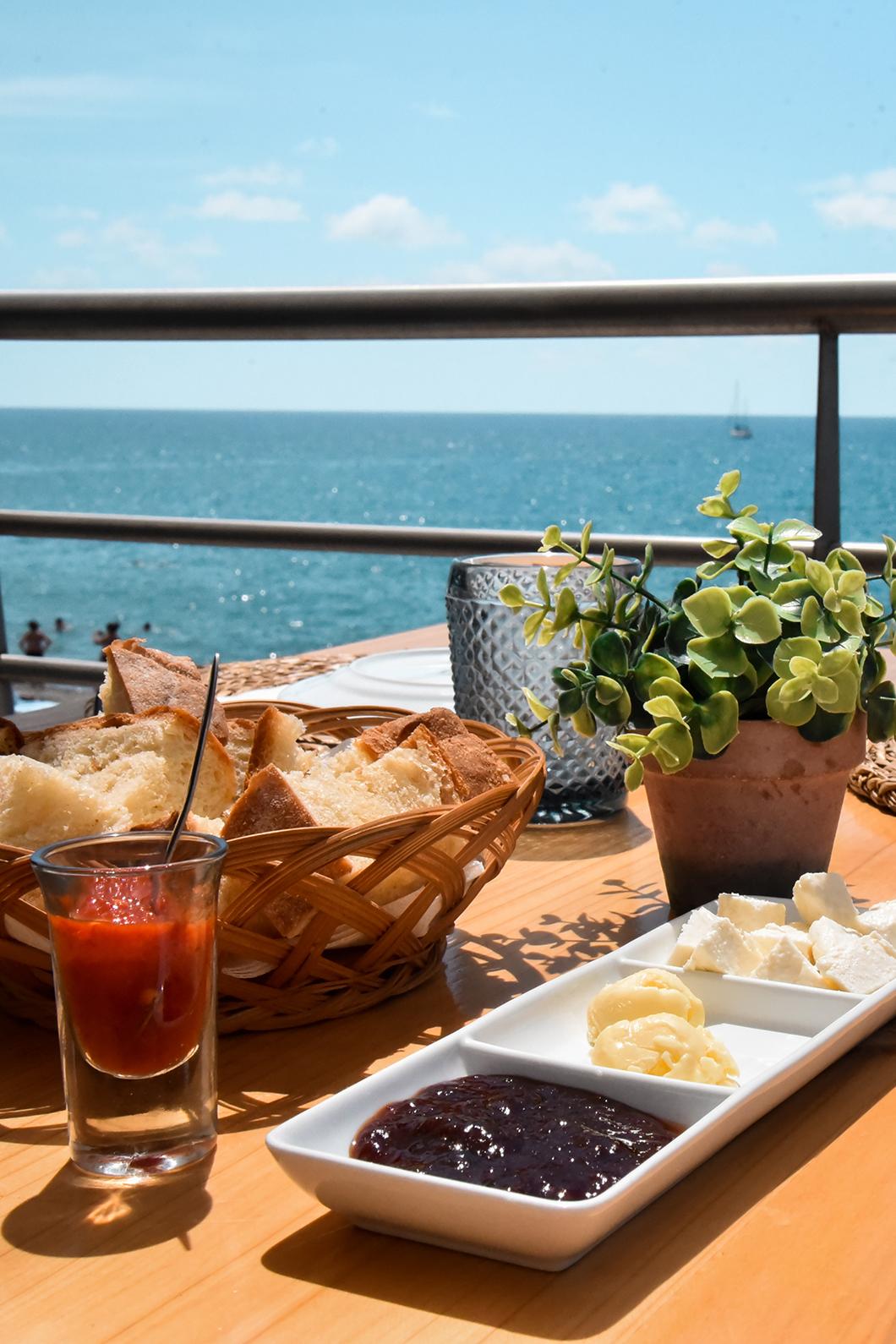Meilleurs restaurants à Vila Franca do Campo, le AV VA Praia Café