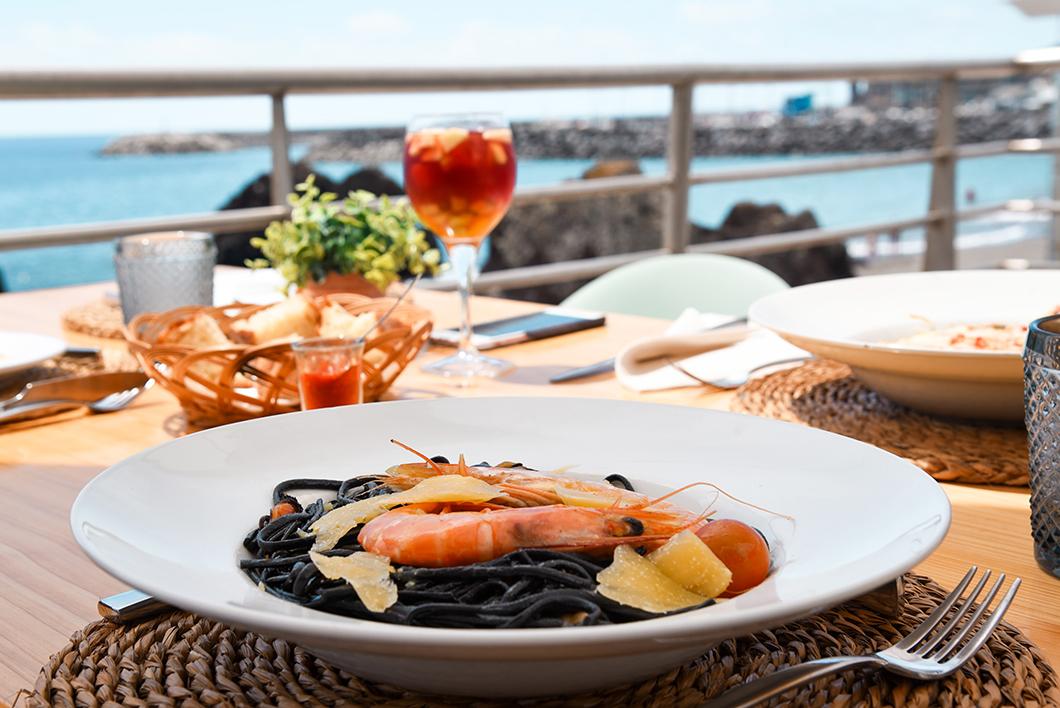 Restaurant AV VA Praia Café à Vila Franca do Campo à Sao Miguel dans les Açores