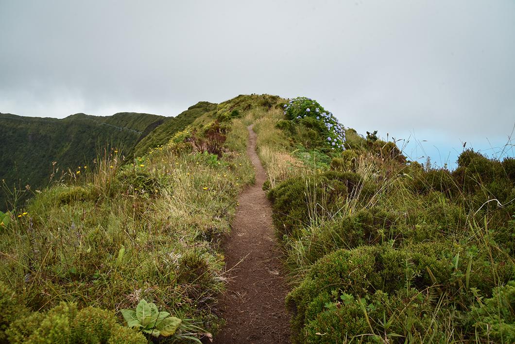 Top des randonnées dans les Açores, la Caldeira à Faial
