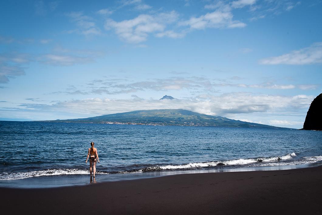 Les plages à Faial, la plage de sable noir de Praia de Almoxarife