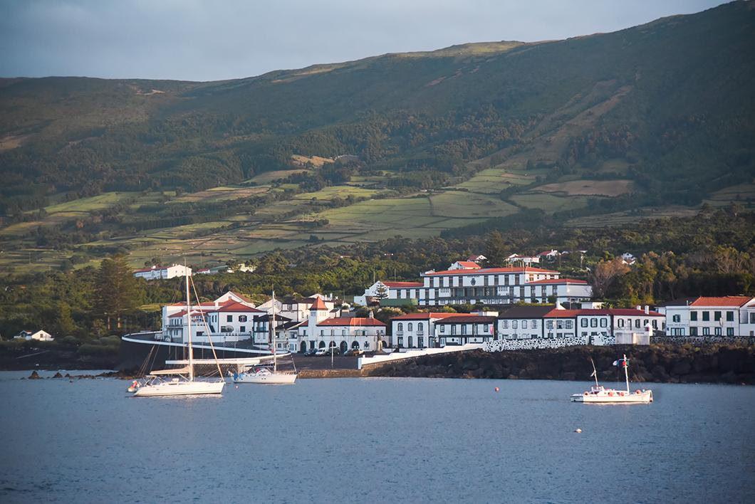 Pico et le port de Sao Roque