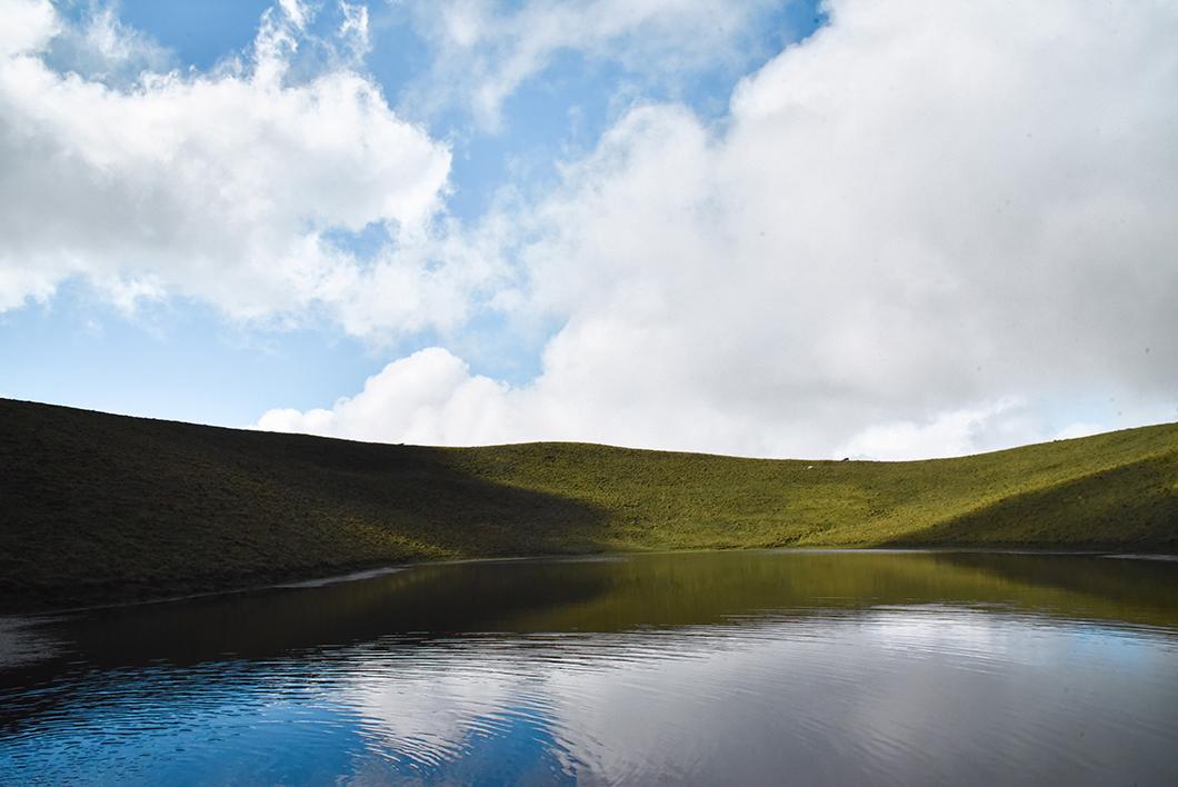 Se balader aux lacs de l'île de Pico, activité incontournable dans les Açores