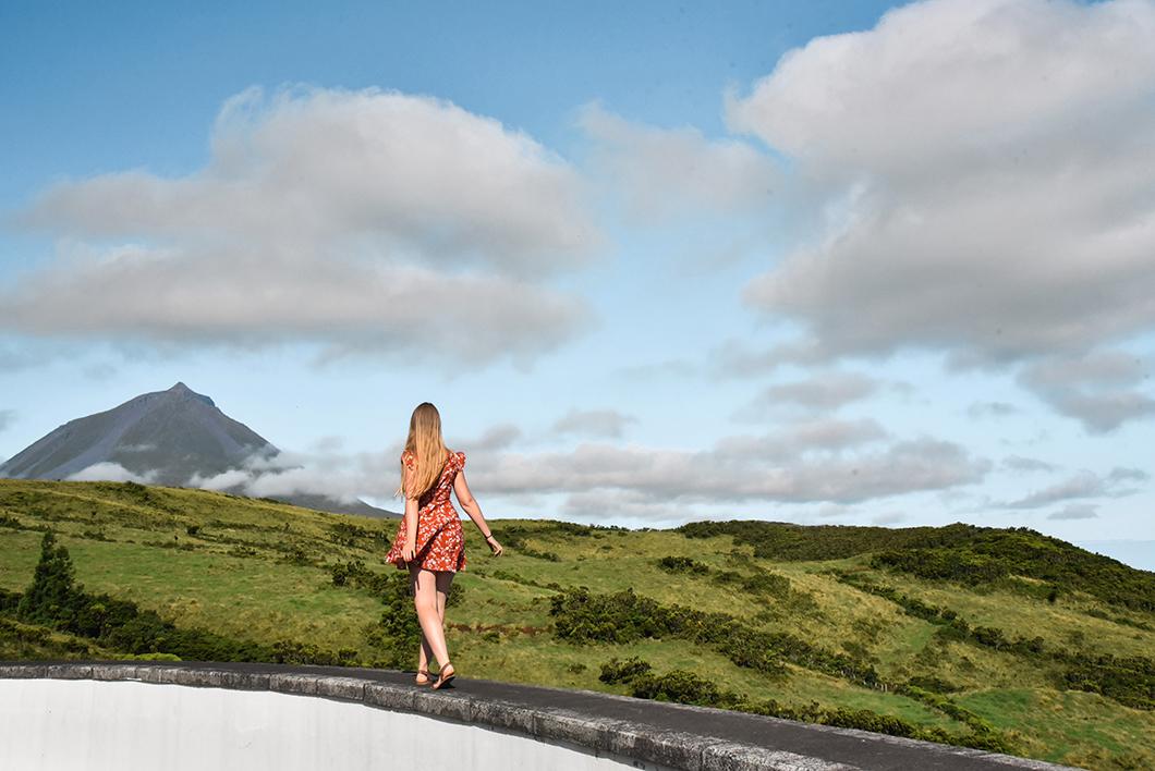 Point de vue sur le Mont Pico dans les Açores