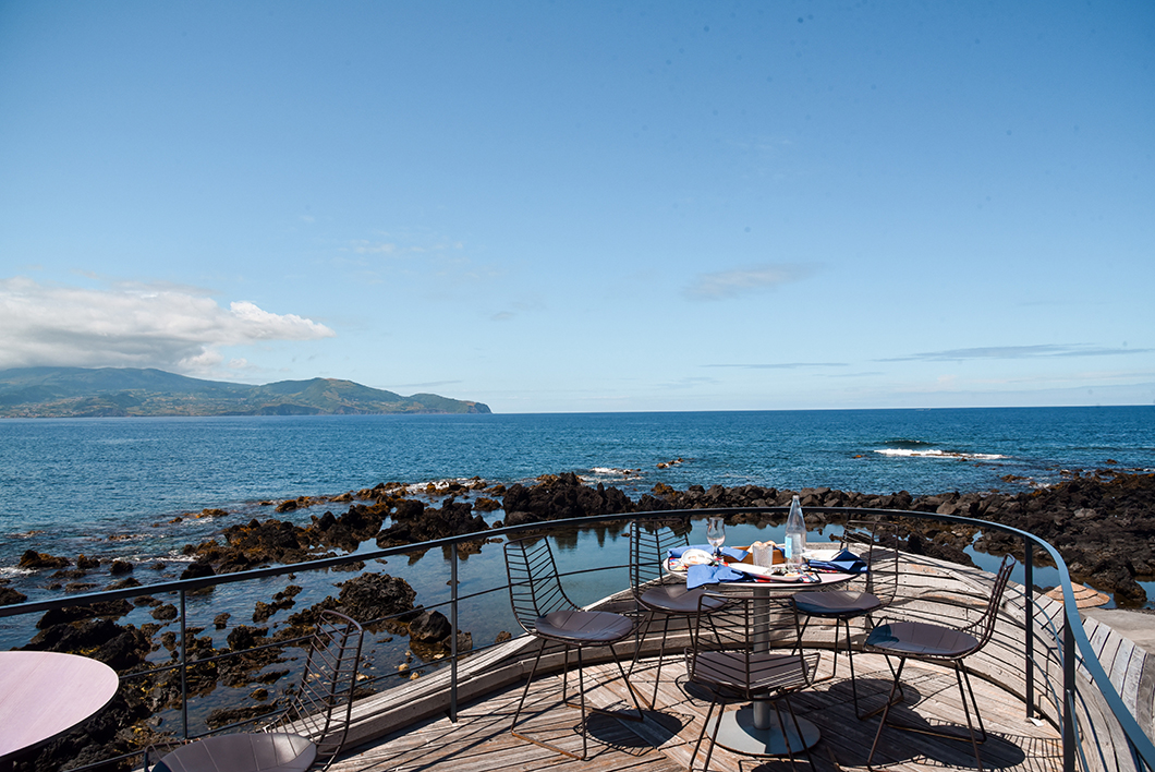 La belle terrasse du Cella Bar à Pico dans les Açores